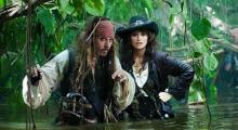 Johnny Depp et Penelope Cruz dans Pirates des Caraibes : la Fontaine de Jouvence