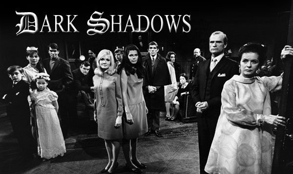 http://cinevibe.fr/wp-content/uploads/2011/09/dark_shadows_cast_large.jpg