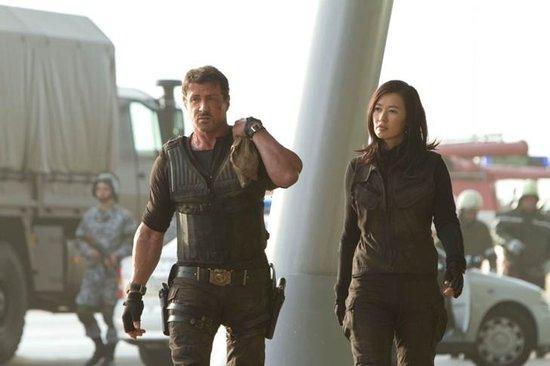 Yu Nan et Sylvester Stallone dans The Expendables 2