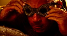 Vin Diesel dans Riddick de David Thowy