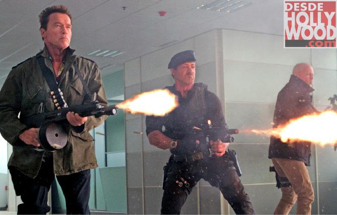 Sylvester Stallone, Arnold Schwarzenegger et Bruce Willis dans The Expendables 2