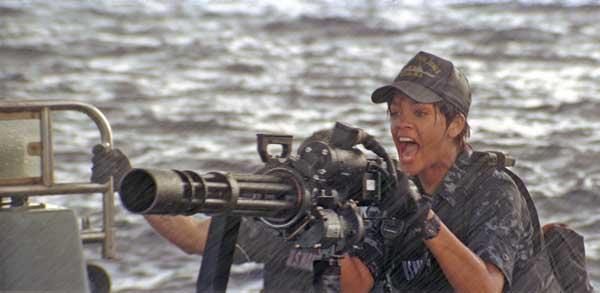 Rihanna dans Battleship de Peter Berg