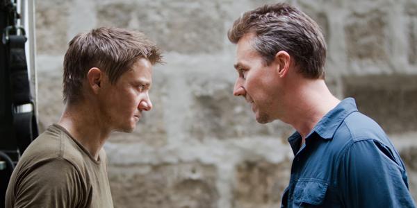 Jeremy Renner et Edward Norton dans Jason Bourne : l'héritage de Tony gilroy