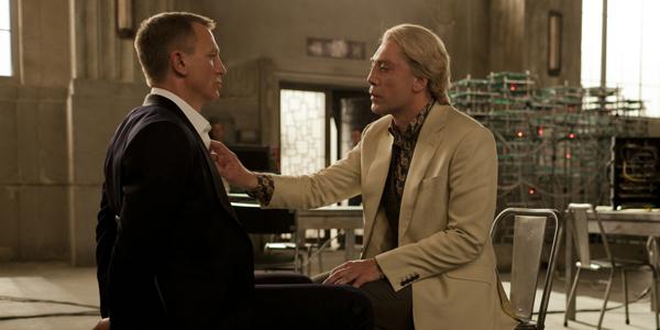Daniel Craig et Javier Bardem dans Skyfall de Sam Mendès