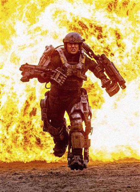 Tom Cruise dans All You Need is Kill de Doug Liman