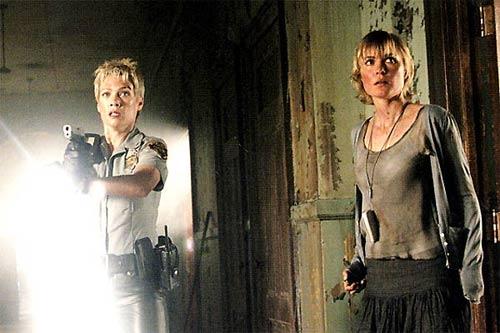 Radha Mitchell et Laurie Holden dans Silent Hill