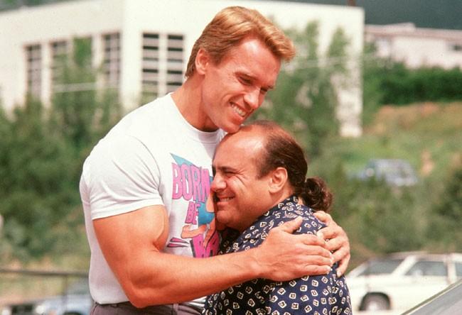 Arnold Schwarenegger et Danny De Vito dans Jumeaux d'Ivan Reitman