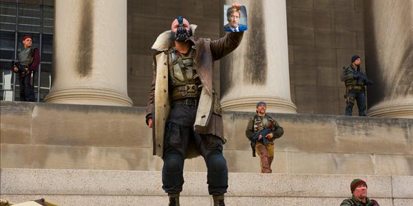 Tom Hardy dans The Dark Knight Rises de Christopher Nolan